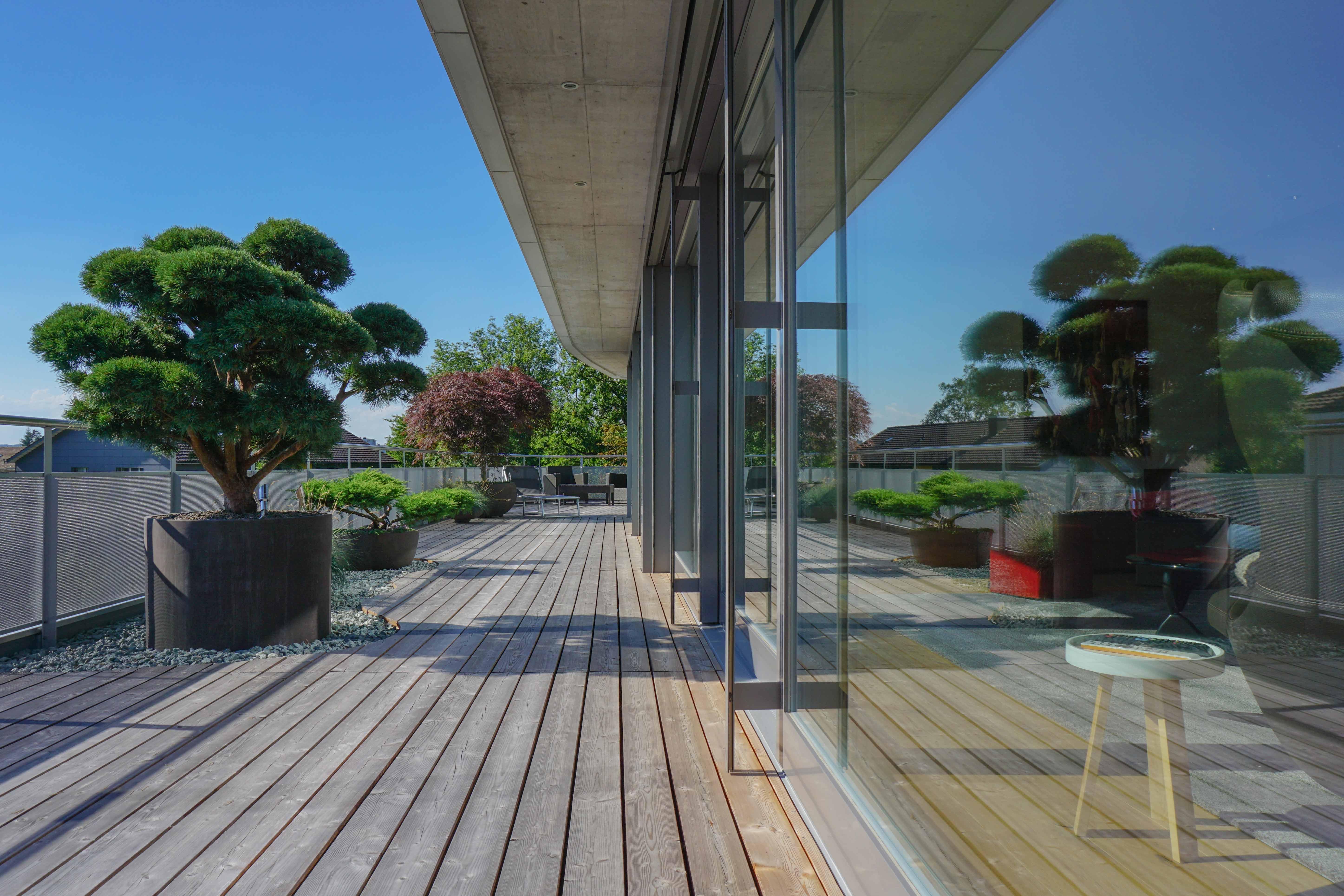 Terrassengestaltung-modern-silvedes-ag